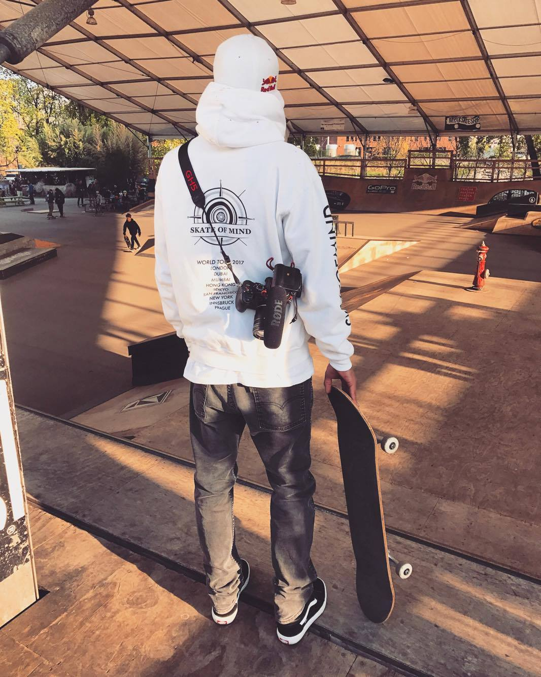Panasonic LUMIX GH5 skateboarding