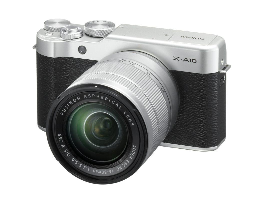 Novinka Fujifilm X-A10 se setovým objektivem 16-50