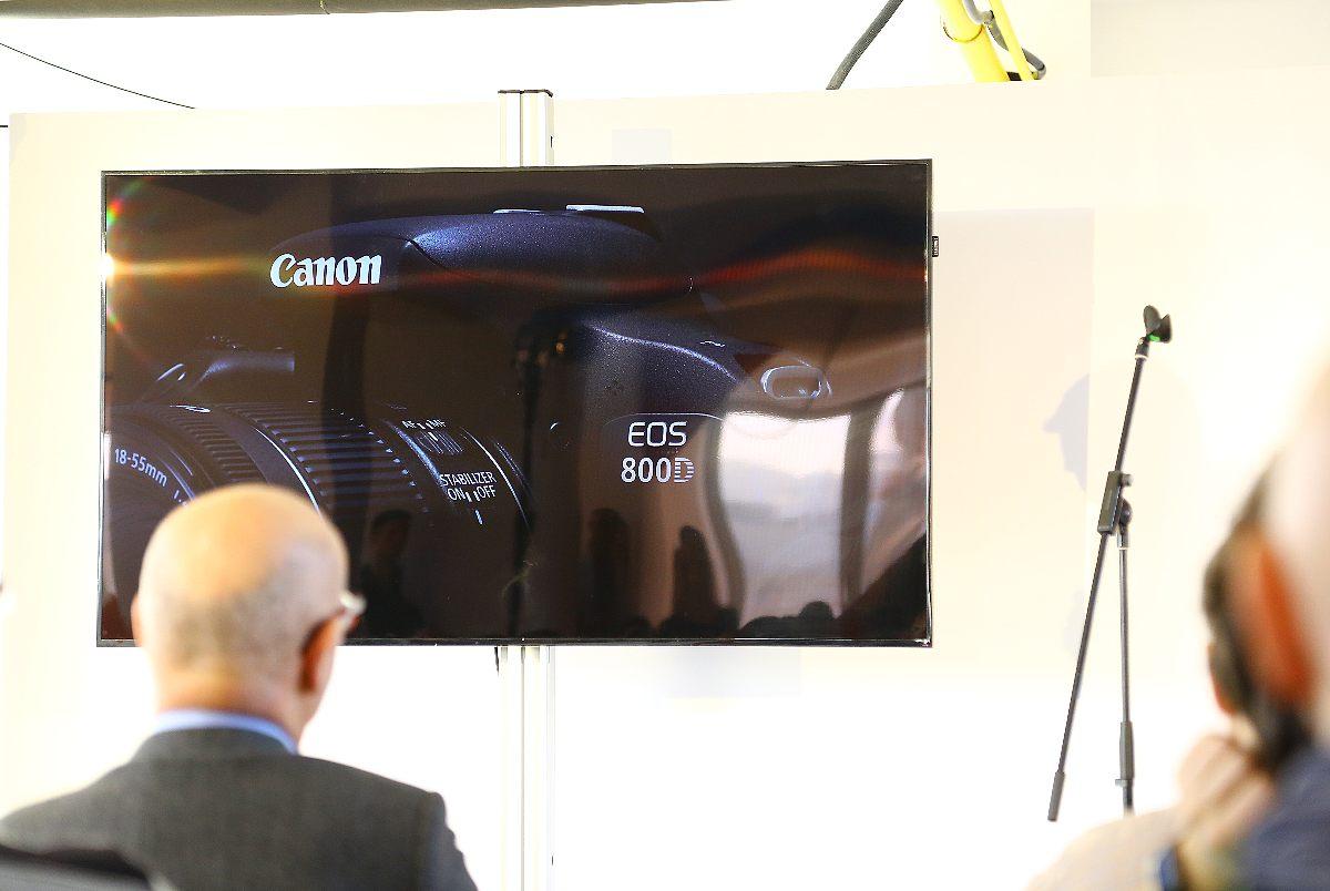 Novinky Canon EOS 800D