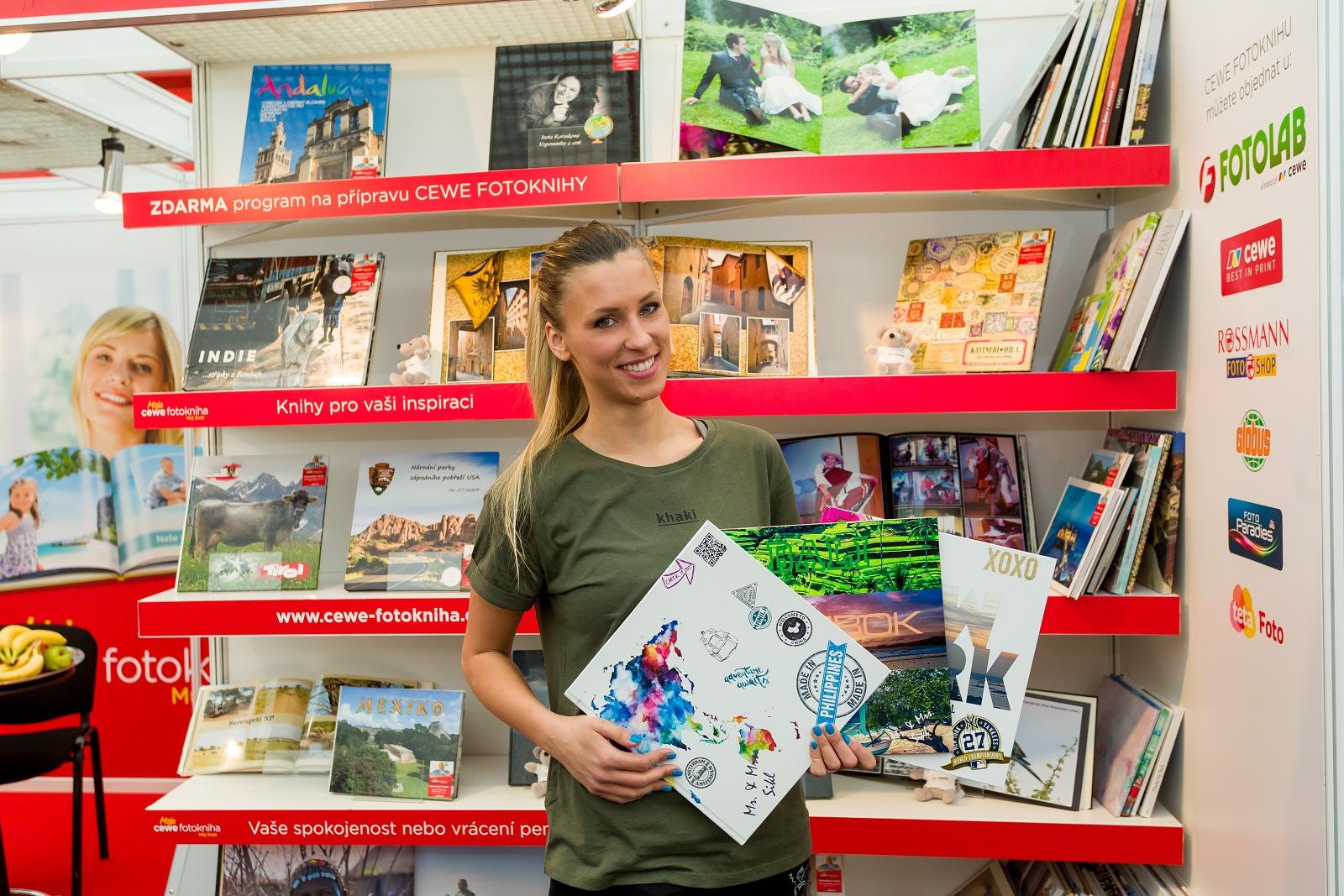 Blogerka Kamila Šiklová měla na veletrhu seminář Jak na kreativní CEWE FOTOKNIHU.