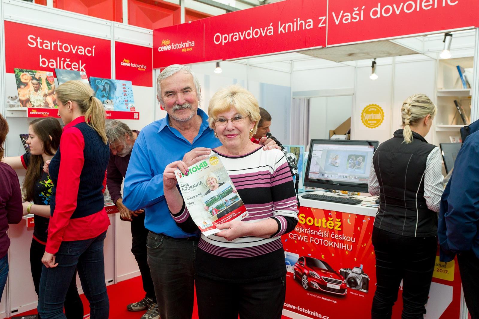 Přijeli i manželé Martincovi – naši zákazníci z televizní reklamy na CEWE FOTOKNIHU.