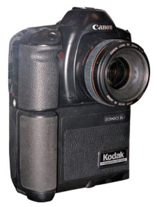 30 let Canon EOS