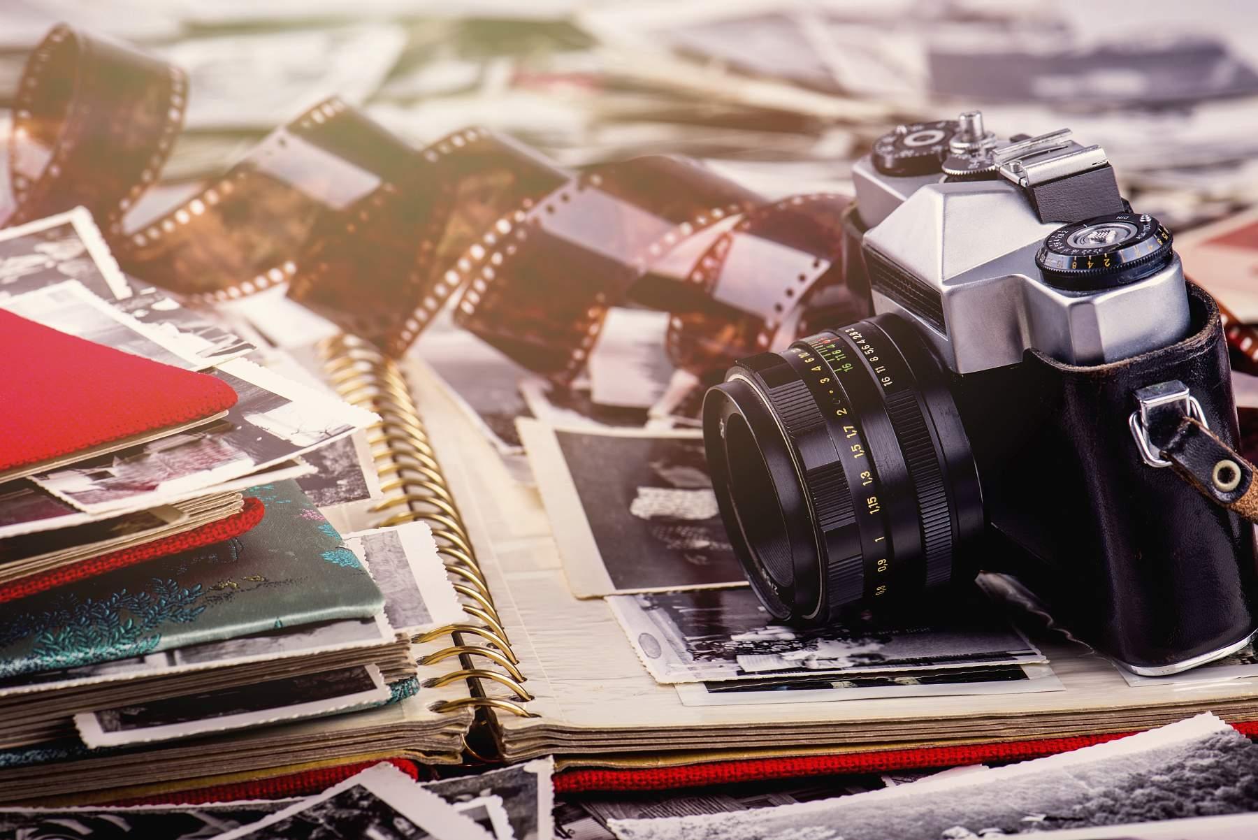 Retro: fotoaparáty, staré tištěné fotografie, negativy - vše je možné digitalizovat.