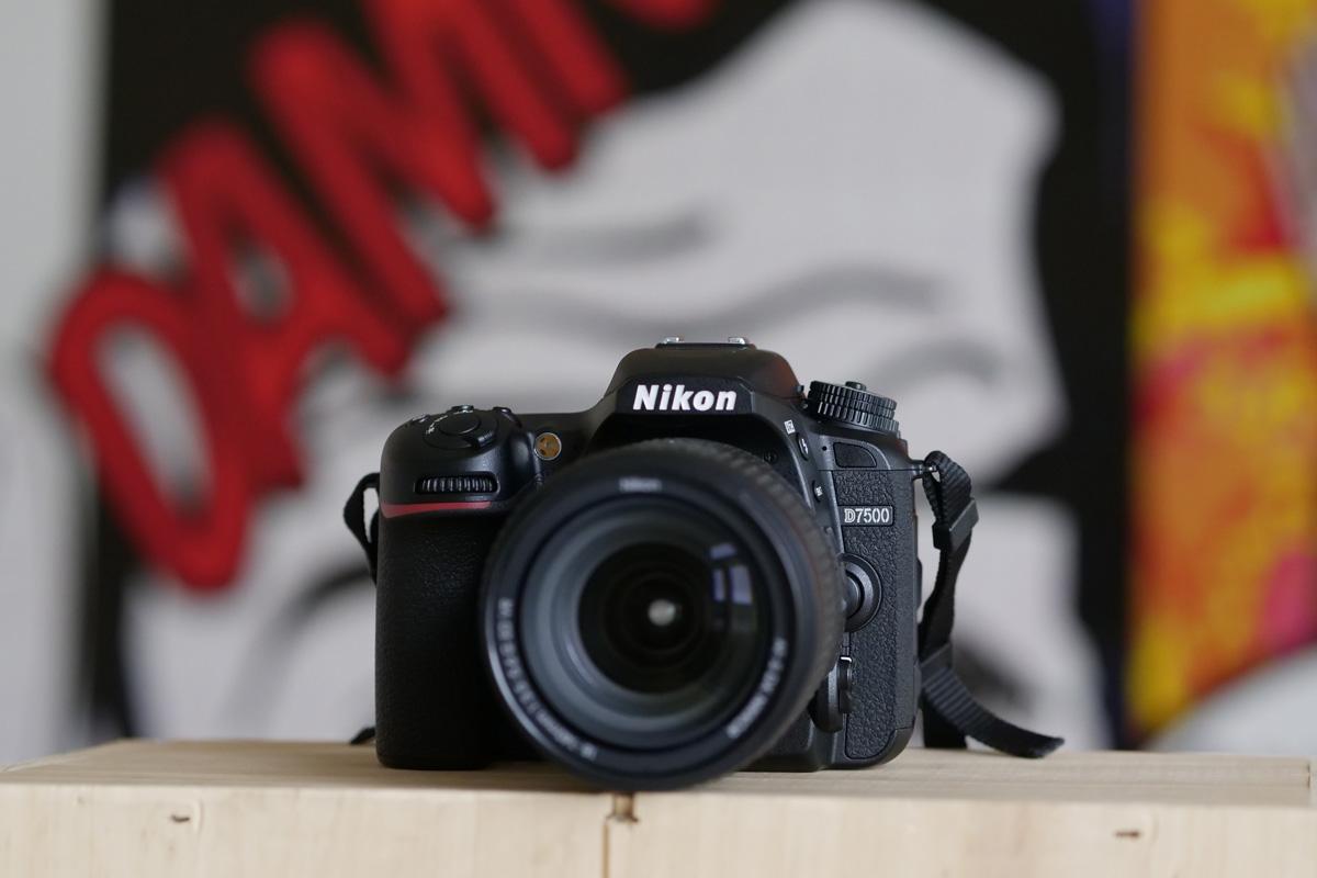 Nový Nikon D7500