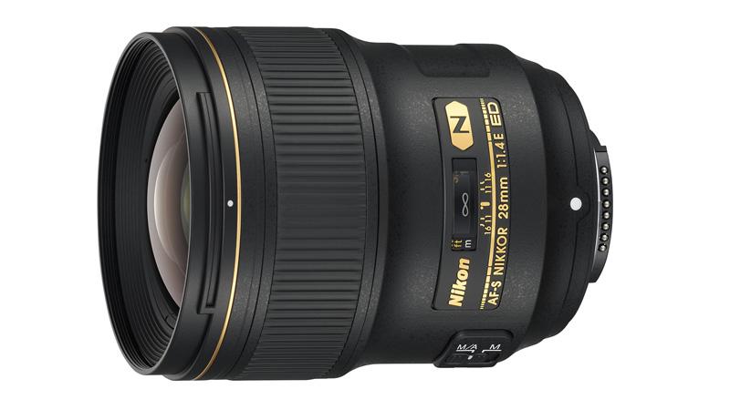 Světelný objektiv Nikon 28mm 1.4