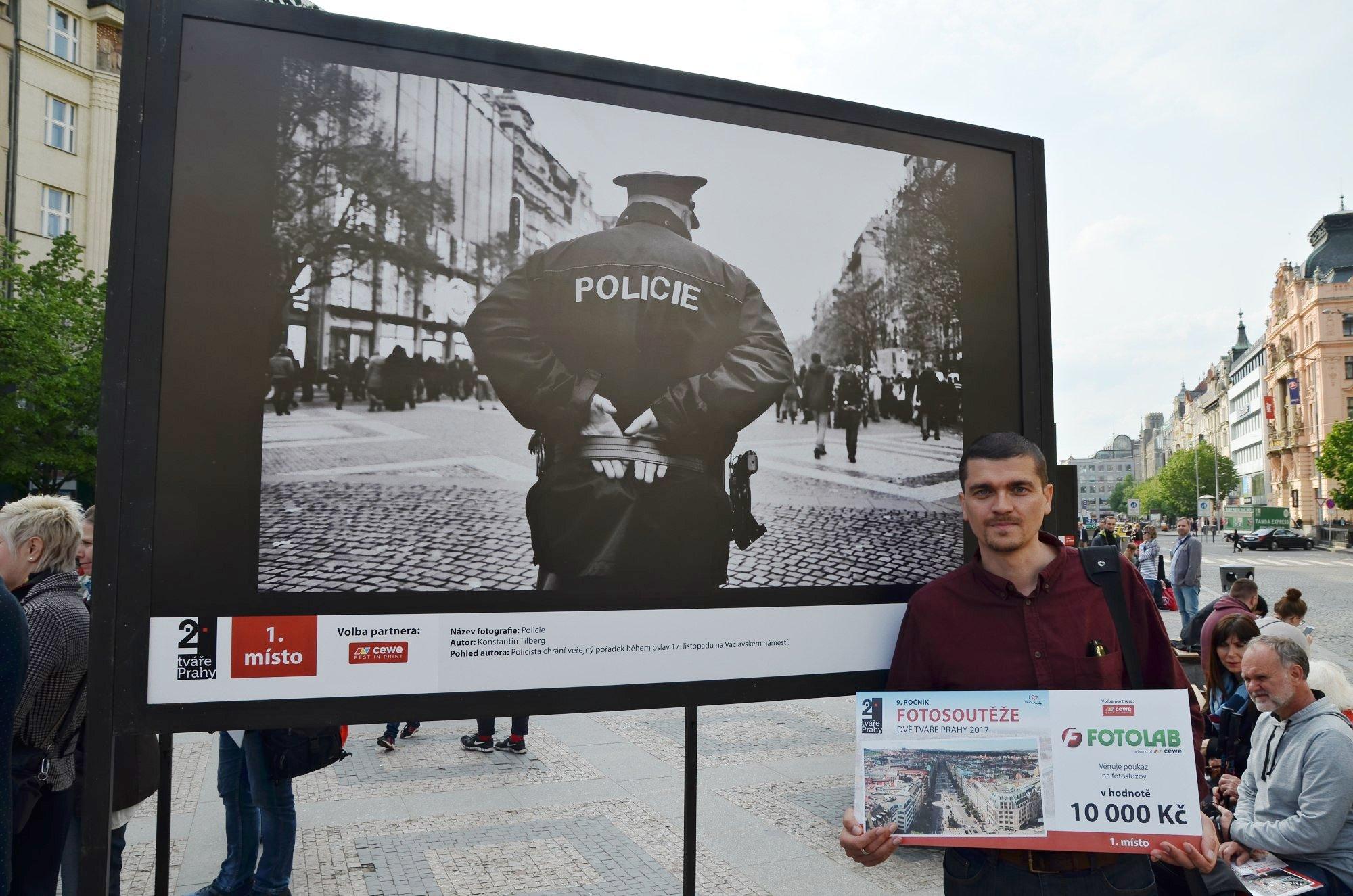 Výstava na Václavském náměstí trvá do konce května.