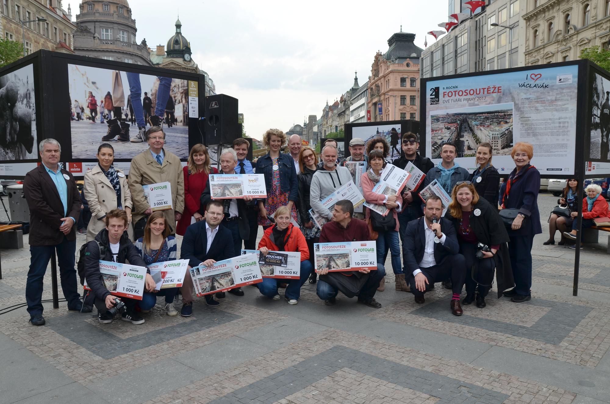 Autoři vítězných fotografií v soutěži Dvě tváře Prahy