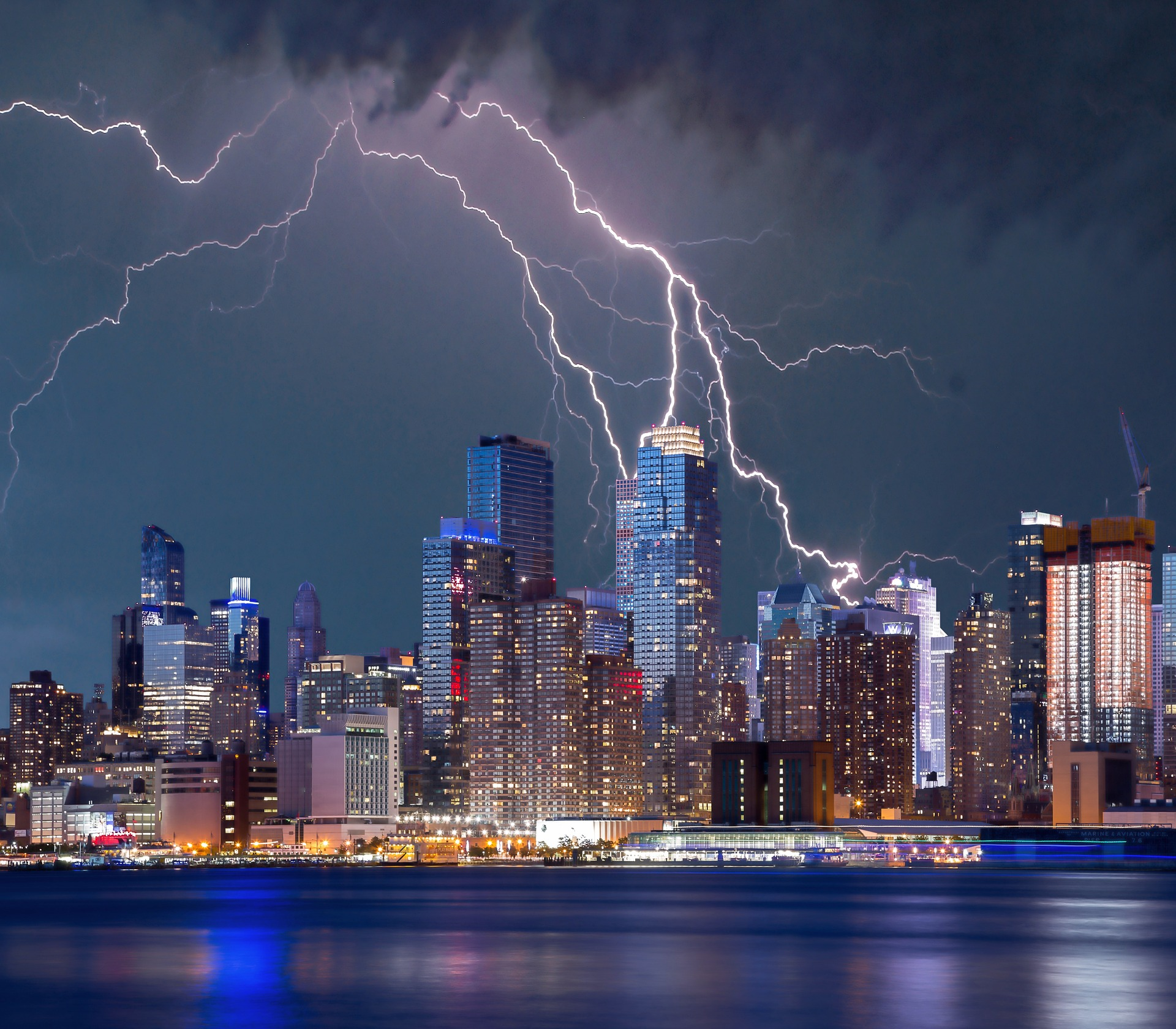 Bouřka nad New Yorkem