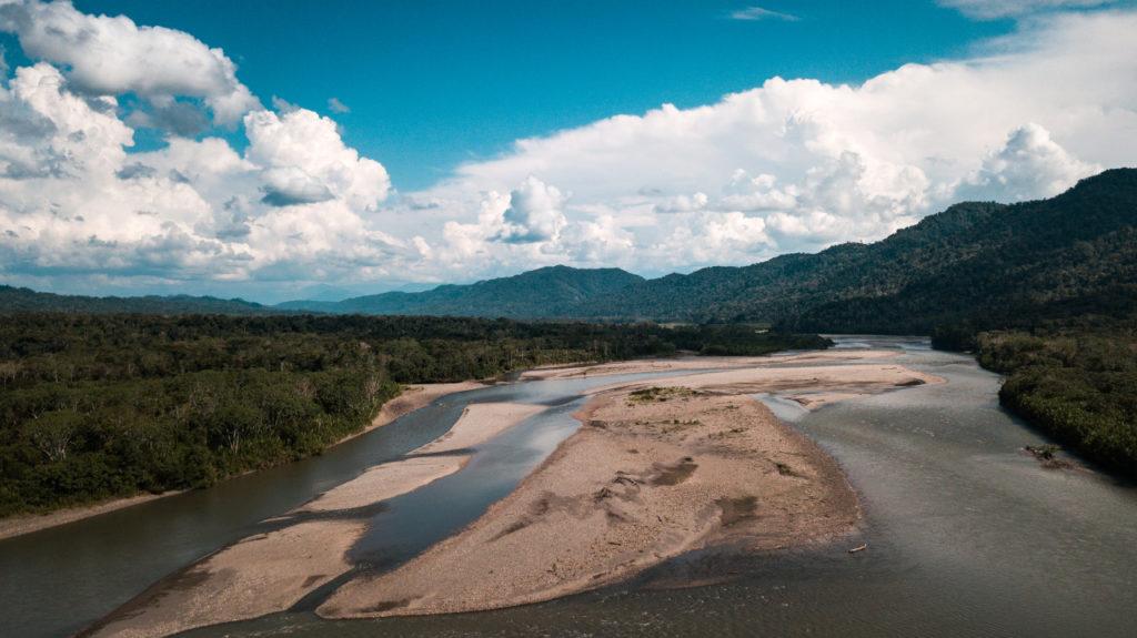 Řeka Madre de Dios v deštném pralese