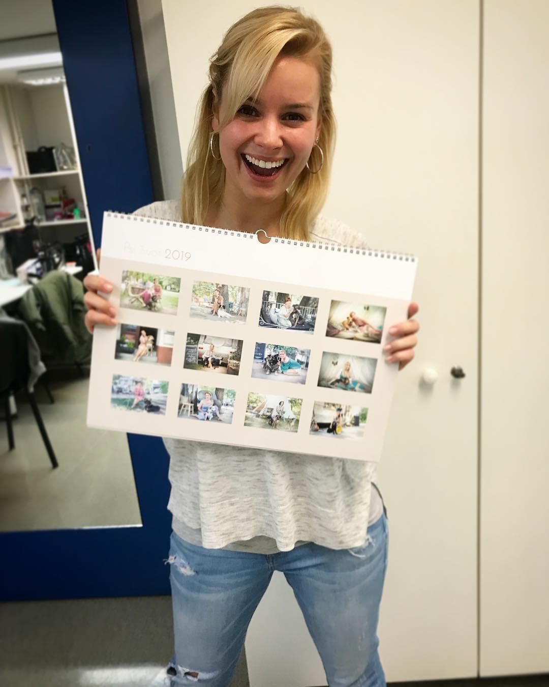 Patrície Solaříková a charitativní kalendář. Zdroj: Instagram Patrície Solaříkové