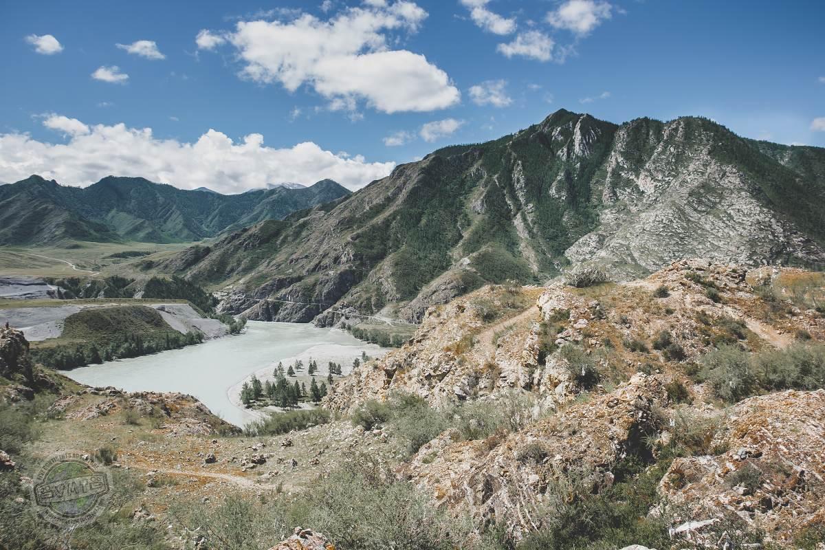 Ruská část pohoří Altaj. Nádherný kout naší planety, který je velice fotogenický. Skvělý snímek zaručen téměř pokaždé.