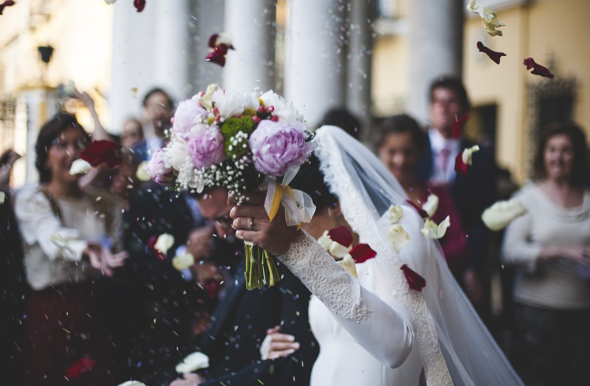 nevěsta a ženich po svatbě