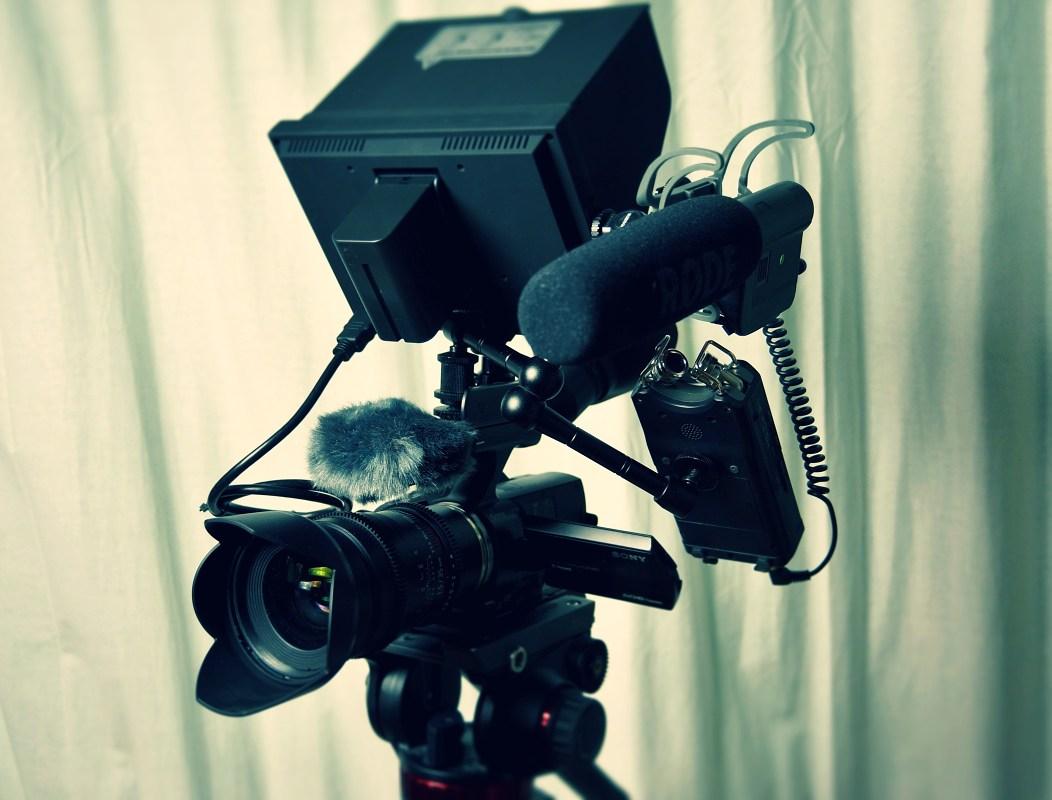 fotovýbava na natáčení videa se stativem
