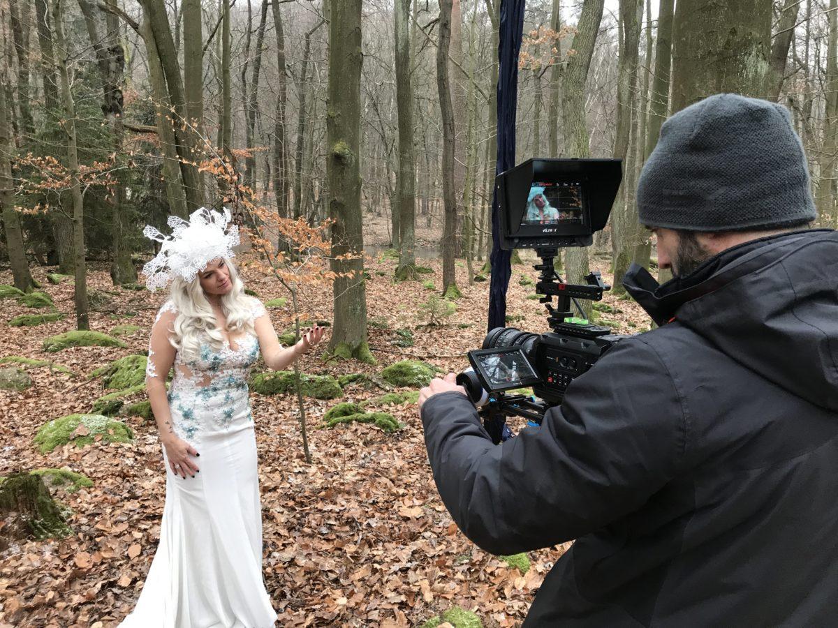 Noid natáčí videoklipy. Tady například pro zpěvačku Martu Jandovou.