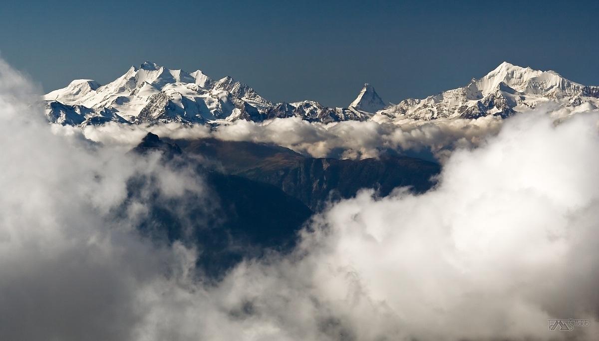 Trek kolem Matterhorn, Walliské Alpy, Pohled z Bernských Alp