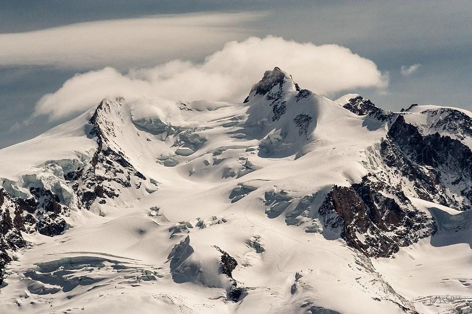 Trek kolem Matterhorn, Walliské Alpy, Vrcholové části Monte Rosy s Dufourspitze 4634m