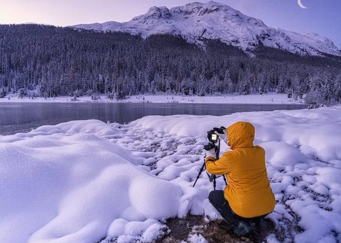 Fotograf pracující se stativem. Nodal point