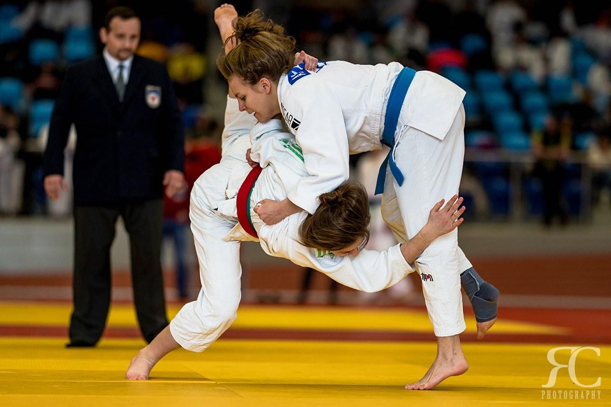 12 fps se určitě hodilo na Judo, které bylo pohybově dosti nepředvídatelné. Použitý objektiv Sigma 135mm f/1,8 DG HSM ART.
