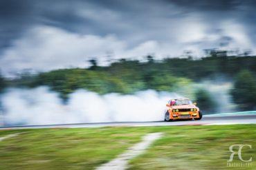 Fotografování sportu: jak fotit driftující auta
