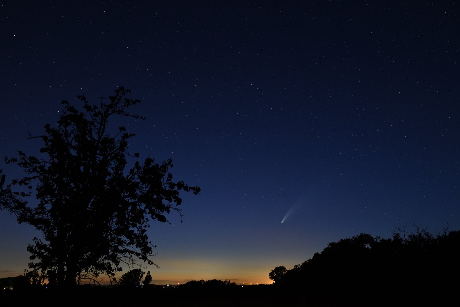 Noční fotografie – kometa Neowise