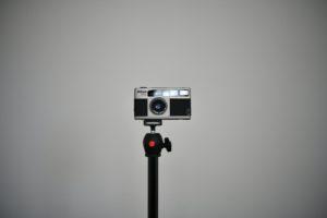 Ukázka vinětace objektivu Micro Nikkor 60 mm F2,8G při cloně F2,8 s vypnutou softwarovou korekcí digitálu