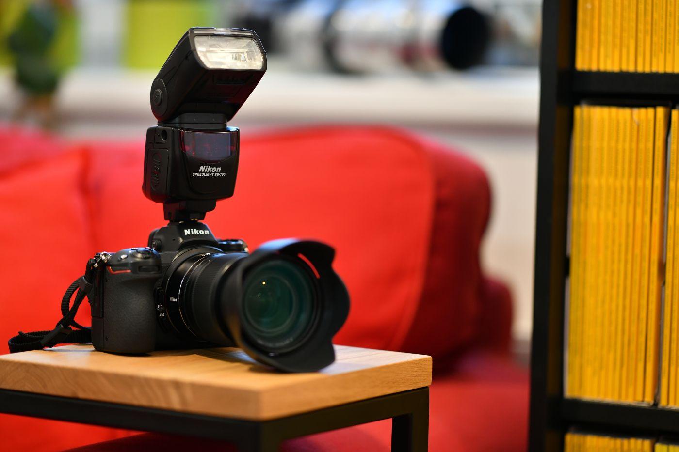 Fotoaparát s externím bleskem