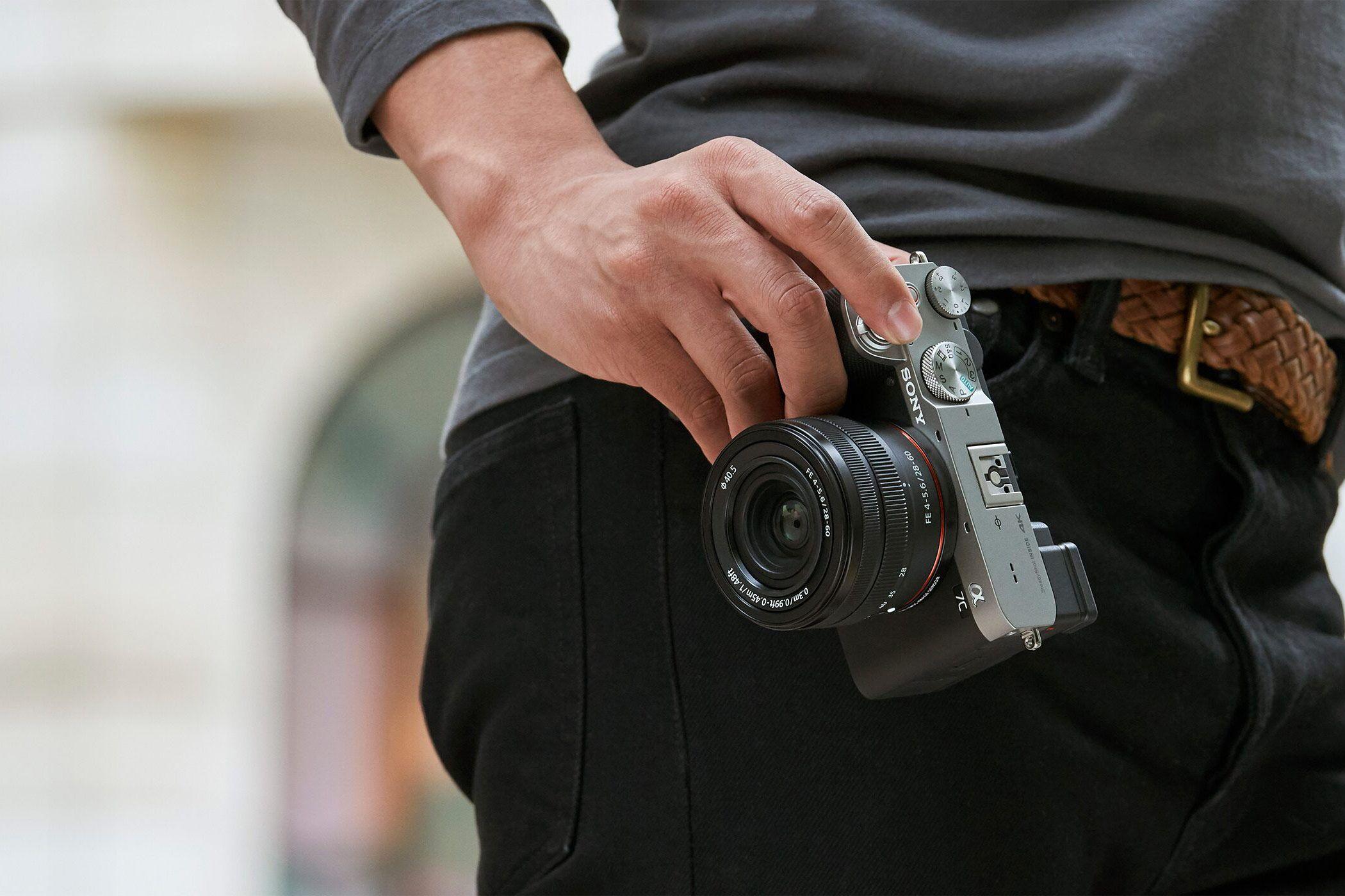 Malé rozměry Sony A7c