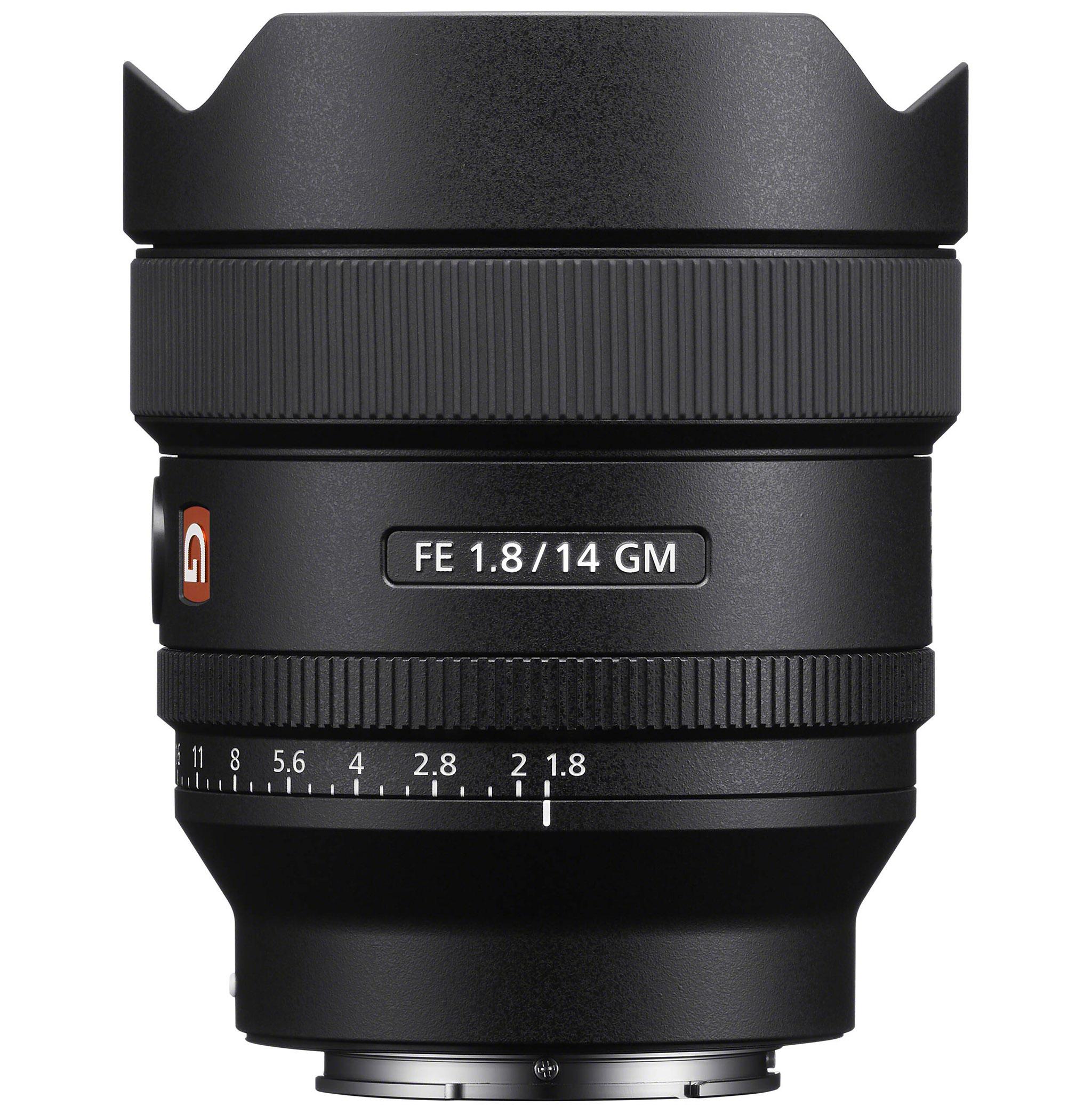 Sony FE 14mm f/1,8 GM je vybaven funkčním tlačítkem a clonovým kroužkem